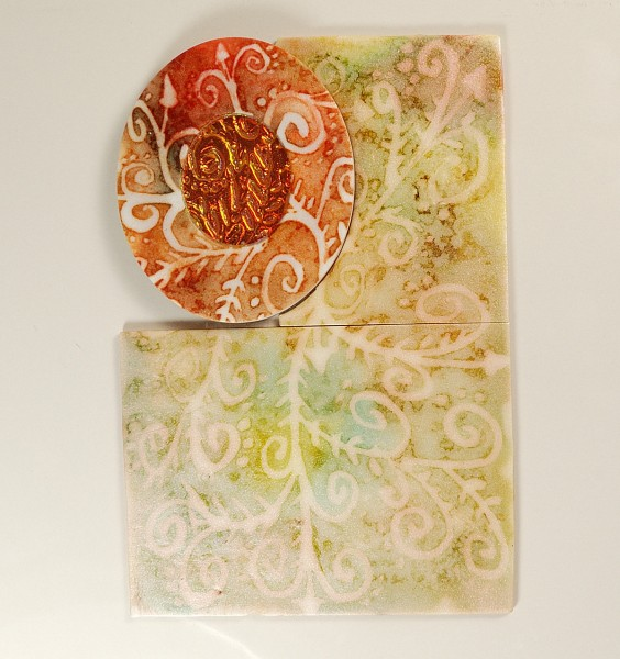 Comparison of diffusion of colors of alcohol ink through polymer clay. Article about using alcohol ink with polymer clay.