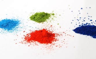 Learn the difference between pigments and dyes in art and craft materials.