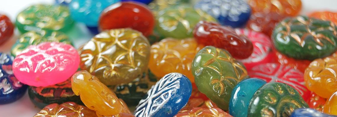 Faux Glass Effects polymer clay tutorial, faux Czech glass, by Ginger Davis Allman.