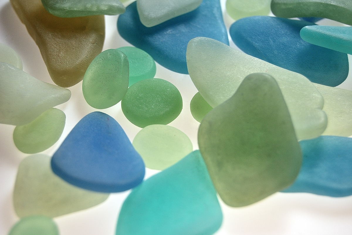 faux sea glass made from polymer clay with the faux glass effects tutorial by the blue - How To Make Sea Glass