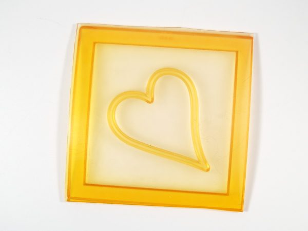 Heart shaped All-in-One CaBezel mold.