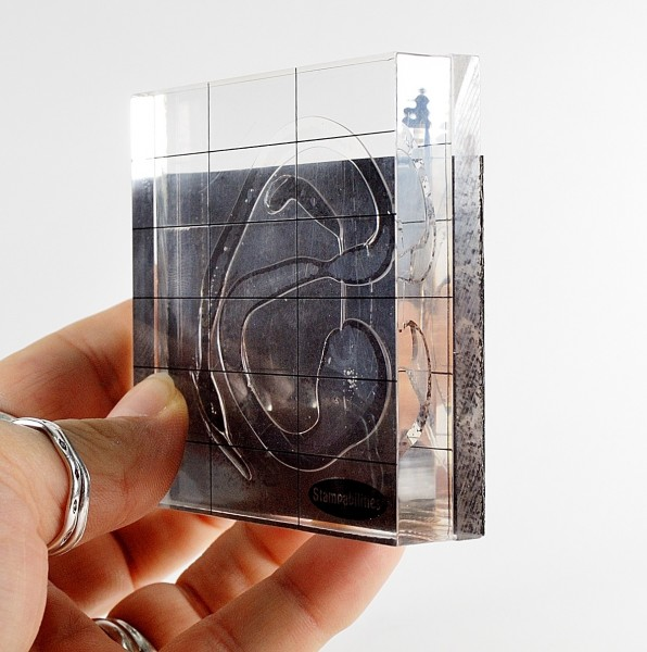 Acrylic blocks with magnetic sheet for use as a spacer for use with the LC Slicer.