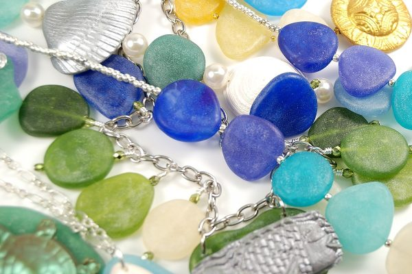 I love these colors of faux sea glass made from polymer clay.