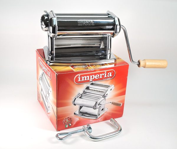 The Imperia pasta machine can be used with polymer clay.