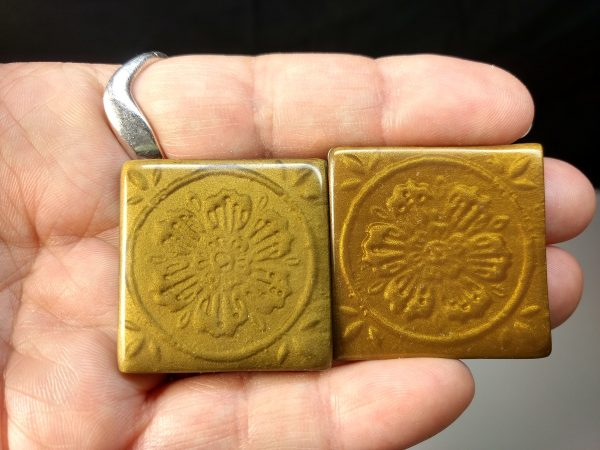 These mica shift examples were created with translucent Premo and powders. On the left is real metal powder (brass colored copper) and on the right is Pearl Ex Sunset Gold.